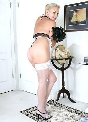MILF Maid Porn Pictures